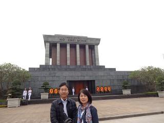 ホーチミン廟の前で